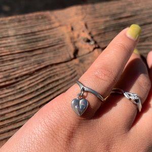 .925 Silver Dangling Heart Rimg Size 5.5